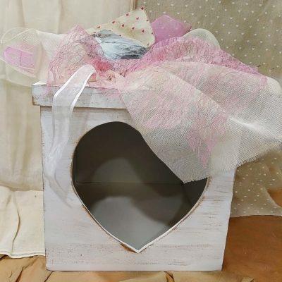 Ξύλινο κουτί με καρδιά Makis Tselios